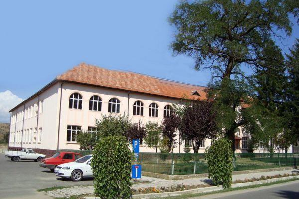 gelencei-jancso-benedek-iskola-scoala-cu-clasele-i-viii-ghelinta4AD84554-B5FD-4E3C-848E-318269BB2373.jpg