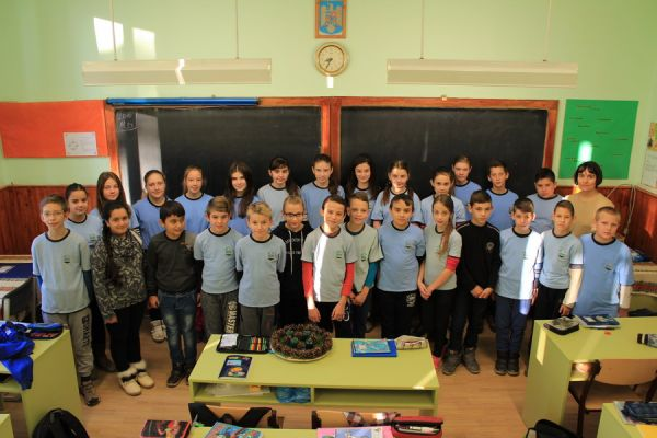 gelencei-jancso-benedek-altalanos-iskola-v-b-osztaly-2016-2017-641AB8BAE-8453-F359-816F-D1AB4E2B71F5.jpg