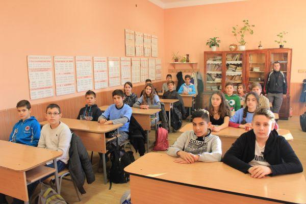 gelencei-jancso-benedek-altalanos-iskola-vi-b-osztaly-2016-2017-45EF51910-A405-2245-05DB-A95ED2526509.jpg