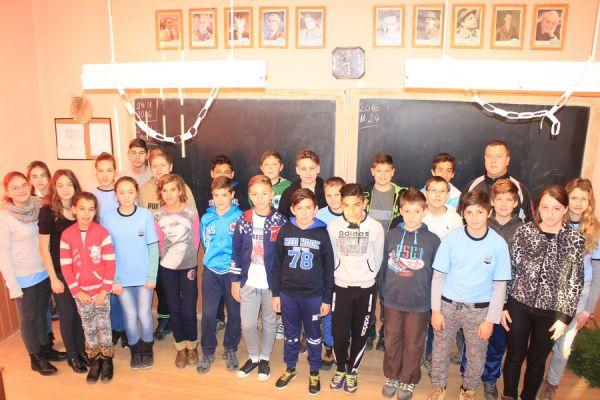 gelencei-jancso-benedek-altalanos-iskola-vi-b-osztaly-2016-2017-730345BF8-57E2-9F6E-3018-E34F52C8FC95.jpg