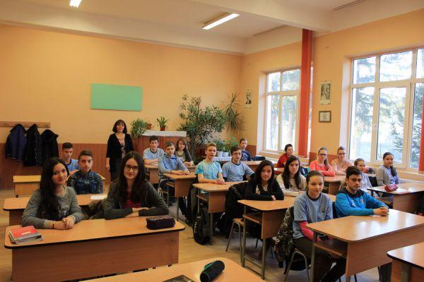 gelencei-jancso-benedek-altalanos-iskola-viii-b-osztaly-2016-2017-2E35BED27-FE7C-FC55-D68F-E9D29C3CA92C.jpg