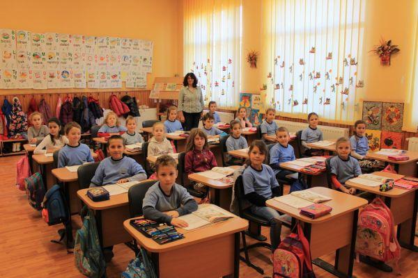 gelencei-jancso-benedek-altalanos-iskola-i-a-osztaly-2016-2017-50A750F60-11B4-FE87-5B98-DE1E63897BB4.jpg