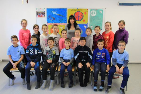 gelencei-jancso-benedek-altalanos-iskola-iv-b-osztaly-2016-2017-596B1BB36-0B02-FC77-7BE6-C2F1AF4F1804.jpg